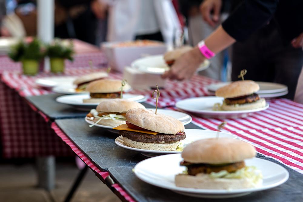charity hamburg kicken closeup burger